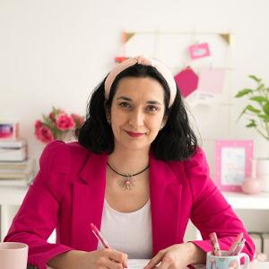 Taisa - Raquel García Arévalo | Aprende con Taisa, academia de emprendedoras, web y herramientas para ahorrar tiempo y hacer crecer tu negocio